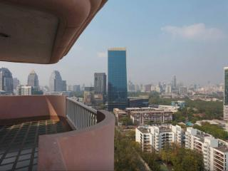 High floor Central 2 bedrooms apt., Bangkok