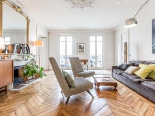 200 m2 in the true heart of Paris!