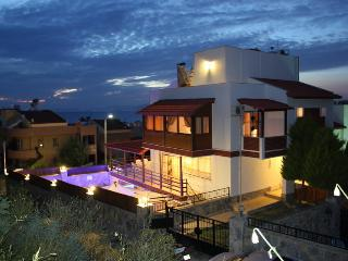 6 Bed. Det. Villa w/Pvt. Pool