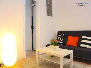 Beige Mustard Apartment, Bairro Alto, Lisbon, Lisboa