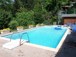Apartment with private pool and splendid views, Tronzano Lago Maggiore