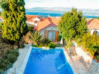 Villa with pool for rent, Supetar, Brac island