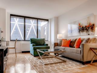 Lux Midtown West 2BR near Park, New York City