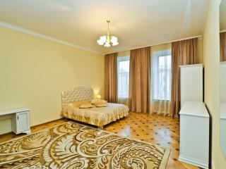 2 bedroom. Centre. View the Nevsky prospect. Sweet, St. Petersburg