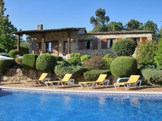 334 Luxury riverside villa near Tui, San Cibrán