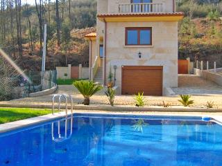 302 Villa with pool in Tomiño, Tomino