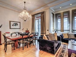 Listed 1930's Luxurious Penthouse Maisonette
