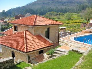 202 Luxury Villa near Golf course, Poio