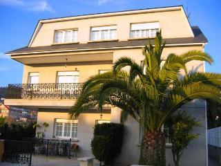 210 - Large 8 Bedroom villa near Pontevedra, Poio