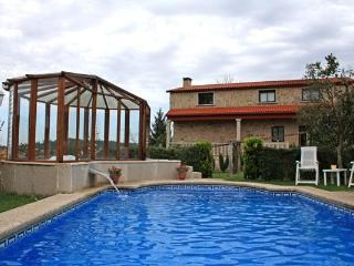 326 Countryside villa with pool and jacuzzi, Pontevedra