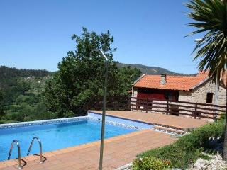 343 Rural house with views and pool, Ponte Caldelas