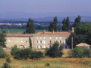 Cottages to rent at Château de la Motte, Marcorignan