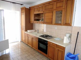Charming four bedroom apartment for 8, Novalja
