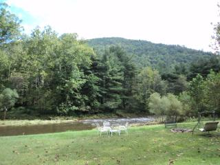 2 Bedroom Apartment on Banks of Large Creek!, Jersey Mills