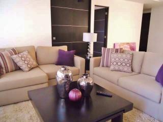 Cancun furnished 2 Bdr. Apt. at Malecon Americas, Cancún