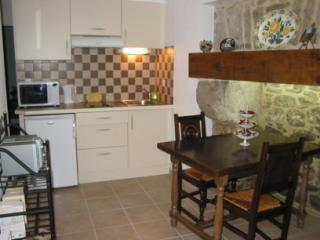 Charming gnd floor apartment - historic dinan A001, Dinan