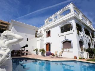Villa with pool,terrace Nueva, Puerto Banus