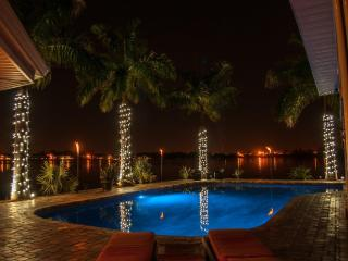 7 bedroom/ 7 bath Waterfront Mansion  private pool, St. Petersburg