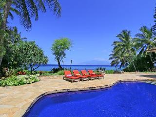Kahana Seaside Villa Luxury Maui Villa, sleeps 11, Ka'anapali