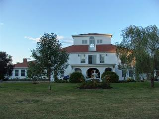 VILLA RIVIERA on the Merrimack River., Newburyport