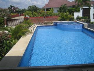 3 bedroom pool villa in quiet resort, Hua Hin
