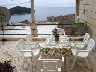 Sea View Studio Apartment-House with garden, Dubrovnik
