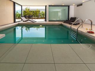 Golden Rays Villa No. 04 with indoor heated pool