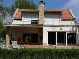 Luxury holiday villa at lake Balaton, Balatonudvari