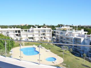 Apartment Olhos de Água II, Branqueira