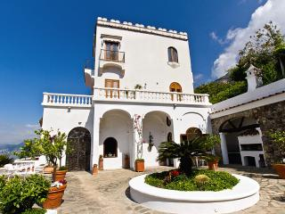 Villa Bideri, Praiano