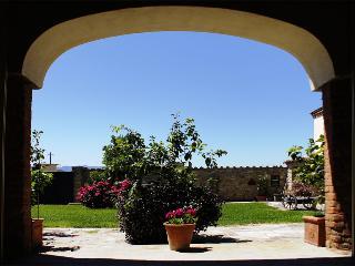 la corte vista dal portico