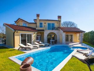 Villa S. Domenica - brand new modern villa with private pool and beautiful sea view, Kastelir