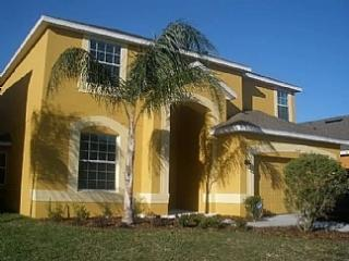 Fab 5 bed villa near parks with Conservation view, Kissimmee