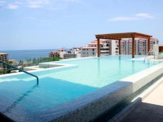 V399 Lovely and Fascinating Penthouse, Puerto Vallarta