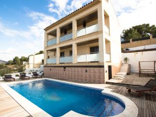 Mesmerizing Costa Dorada villa for 7 guests, Calafell