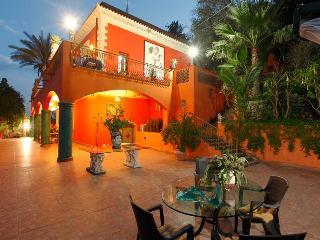 Villa Due Angeli. Ezekial.Taormina Sicily Vicinity
