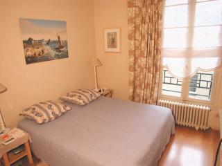 Romantique 2 bedroom Champs de Mars