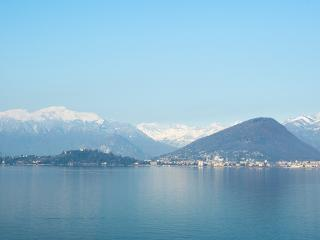 4 bedroom villa in the Italian Lakes. Lake access., Laveno-Mombello