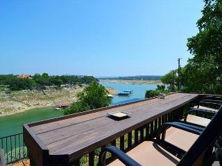 Large Waterfront Home- Perfect for Families, Briarcliff
