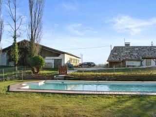 """Gîte Le Chai"" - 3 bedroom house in Lot-et-Garonne, Aquitaine, with garden and shared pool, Agnac"