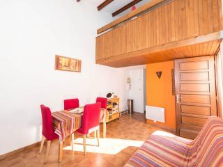 Salon avec vue vers la mezzanine