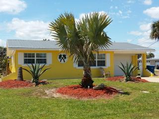 LOCATION! LOCATION! LOCATION! 100 FEET FROM OCEAN, Ormond Beach