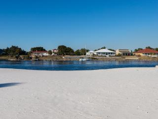 Beachfront Retreat - Waterfront with Private Beach, Perdido Key