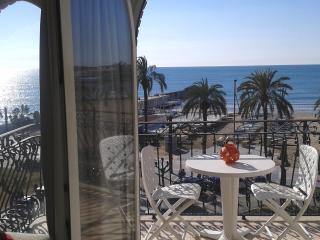 GAVINA5-CENTER-BEACH, Sitges