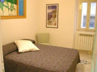 Casa Lilla 3 beds, central 700mt from beach Wi-Fi., Terracina