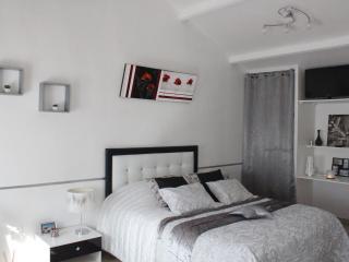 A l'Orée du Pin ,chambre Moderne 2 personnes, Puyricard