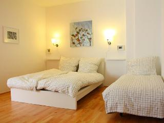 Berlin Fuffa s 40m2 apartment,  free wifi!!!