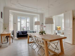 Large & beautiful Copenhagen apartment near the Metro, Copenhague
