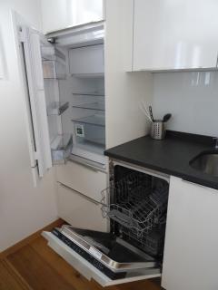 Kühlschrank und Abwaschmaschine