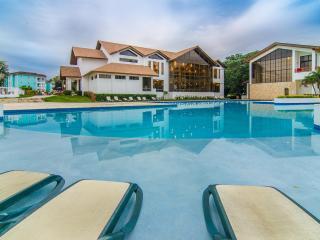 Private guest friendly 2-bedroom villa in Oceanfront resort. 24/7 security.